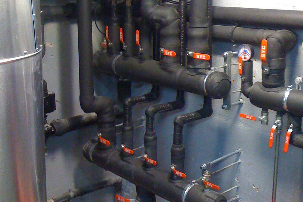 Sistema de águas para refrigeração-aquecimento